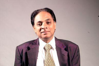 Vinod Sawhny Reliance Communications