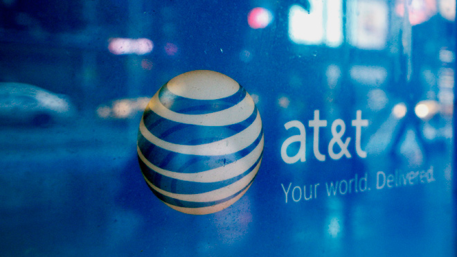 AT&T and T-Mobile 4G war