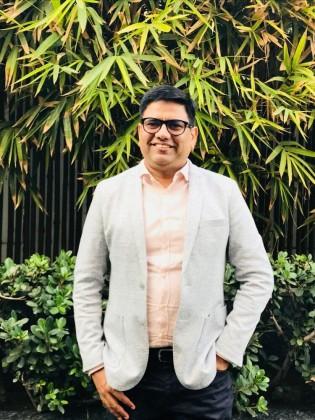 COMIO Smartphones CEO Sanjay Kalirona