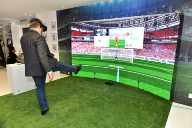5G football game on VR