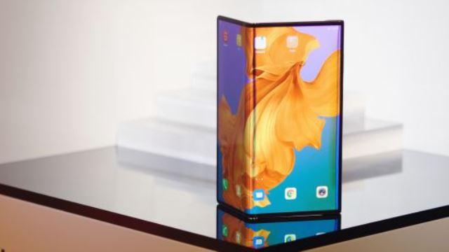 Huawei Mate X 5G smartphone MWC 2019
