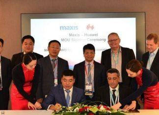 Maxis and Huawei at MWC 2019
