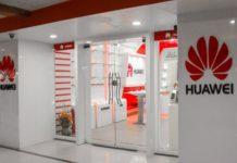 Huawei smartphone retail shop