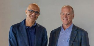 Microsoft CEO Satya Nadella with AT&T Communications CEO John Donovan