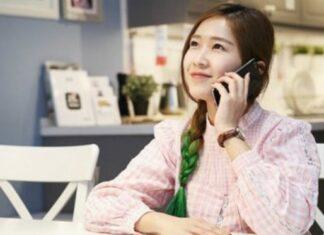 Smartphone user in Vietnam