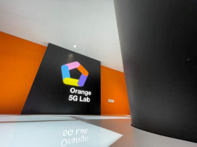 Orange 5G mobile business